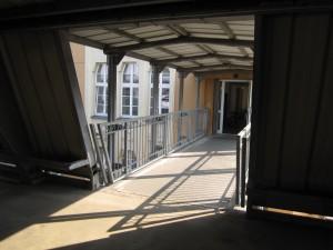 Zugang über das Parkhaus zur Radiologischen Praxis Benedikt